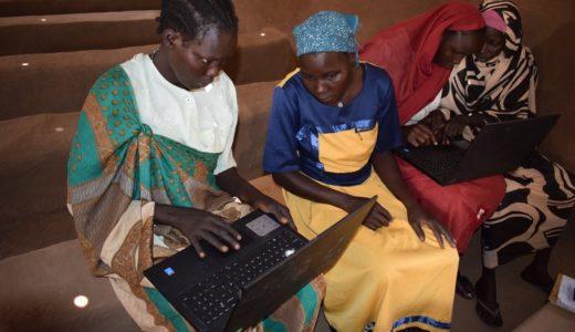 Une intervention numérique pour enseigner l'écriture et le calcul à Kakuma, Kenya